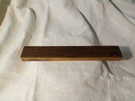 Магнитный держатель для ножей из дерева (искусственно мореный  дуб)