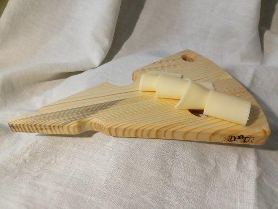 Сервировочная доска для подачи сыра